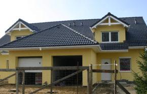 Projekt budynku mieszkalnego jednorodzinnego w zabudowie bliźniaczej w Bielsku Białej - REALIZACJA